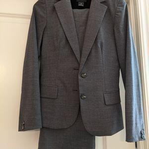Club Monaco Pant Suit - Blazer and Pants Size 00
